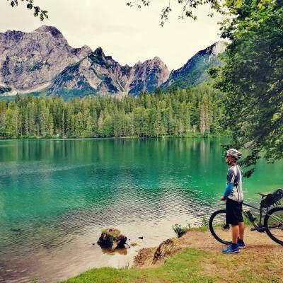 Limitless - A káprázatosan tiszta, hihetetlenül kék vízű Fusine-i tavak a Júliai-Alpokban.